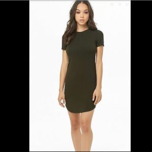 Dresses & Skirts - Olive Green T-shirt Dress S/M